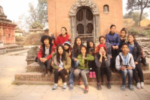 group photo during field trips (1)